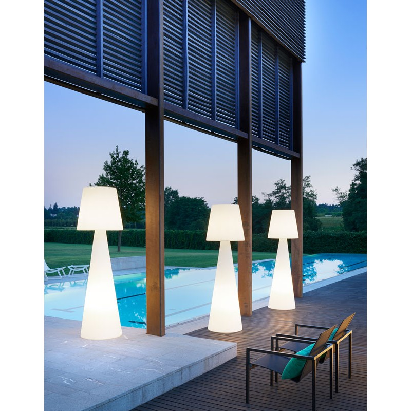 Outdoor Lamp Hire
